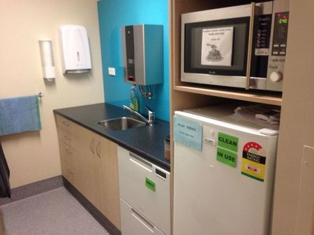 Small kitchen complete at dunedin